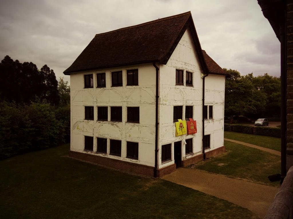 Z wizytą w domku myśliwskim u królowej Elżbiety
